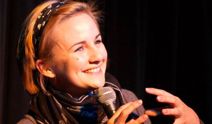 Laura Lexx Comedian - Laugh Out Loud Comedy CLubs